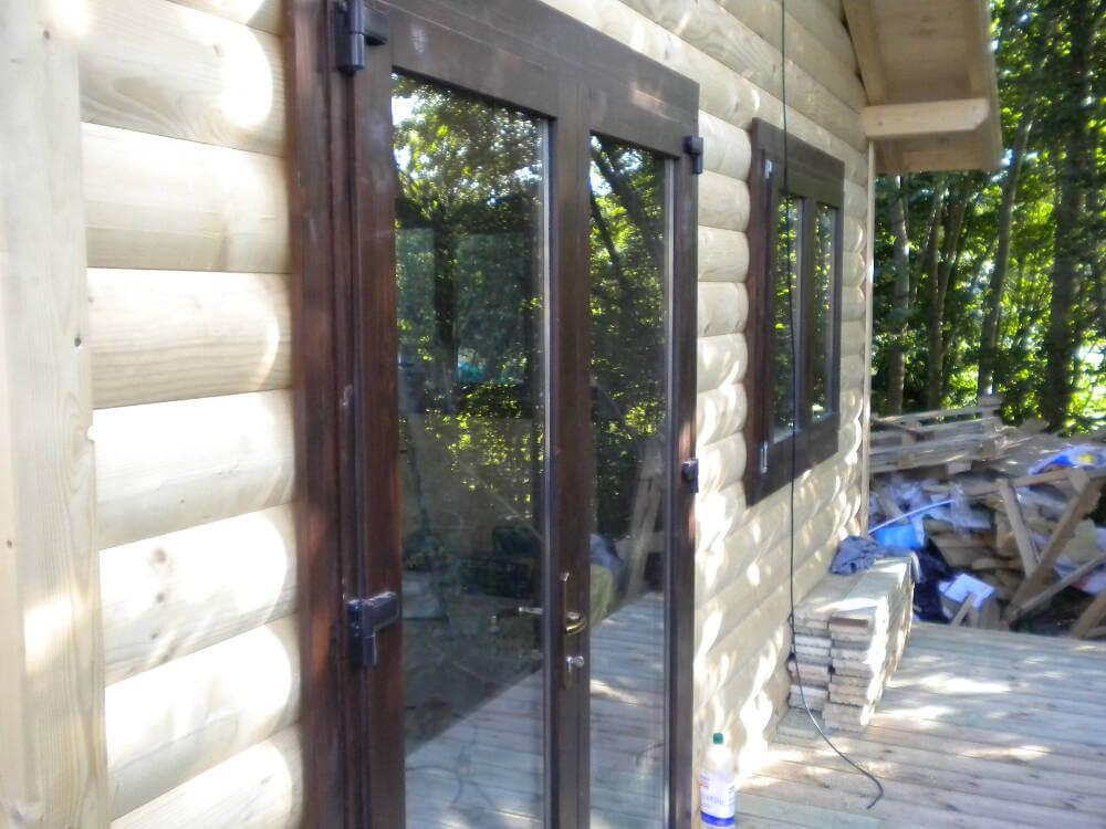 Wooden garden office timberlogbuild ltd for Build your own garden office