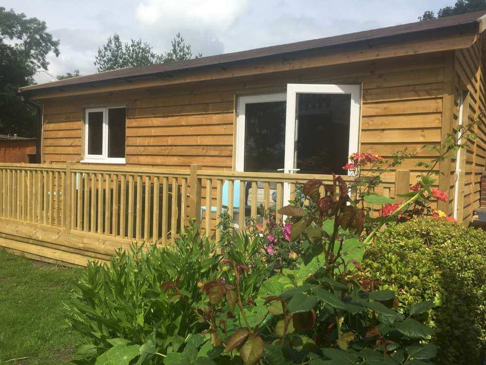 Budget Log Cabins (7)