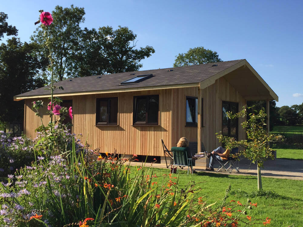 Budget log cabins in kent by timberlogbuild ltd for Building a cottage on a budget