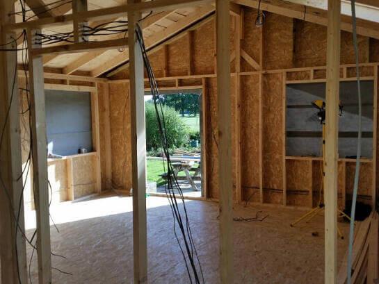 Budget-Log-Cabins-11-750x563