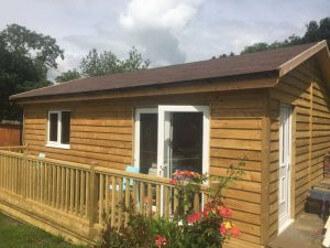 Budget Log Cabins (5)
