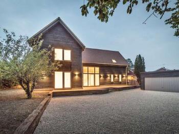 Timber-House-Paddock-House-1-500x375