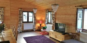 WOODEN-MOBILE-HOME-4-600x300