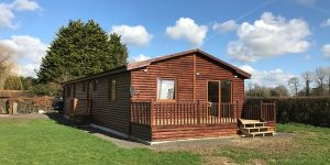 Wooden-Mobile-Home-810-600x300