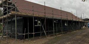 timber-log-cabin-installation-process-11-600x300