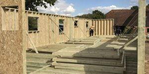 timber-log-cabin-installation-process-2-600x300
