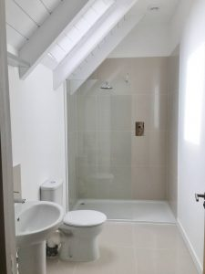 beautiful-bespoke-designed-timber-frame-home-built-by-timberlogbuild-ltd (17)