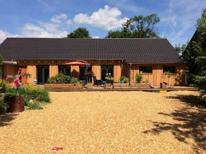 bespoke-designed-log-cabin (3)