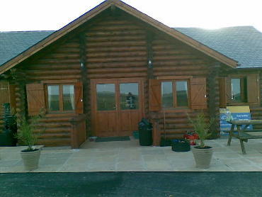 bespoke-log-cabin-club-house-4