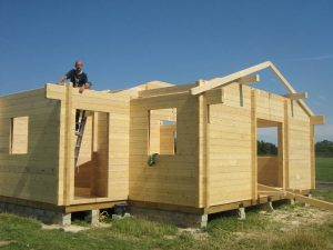 construction-of-log-cabin-with-95mm-laminated-logs (11)