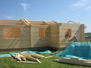 construction-of-log-cabin-with-95mm-laminated-logs (12)
