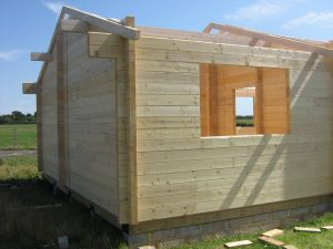 construction-of-log-cabin-with-95mm-laminated-logs (13)