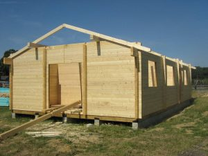 construction-of-log-cabin-with-95mm-laminated-logs (15)