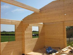 construction-of-log-cabin-with-95mm-laminated-logs (17)