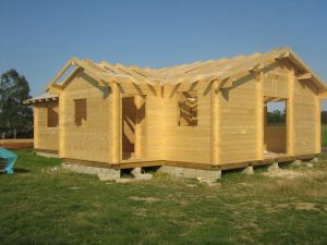 construction-of-log-cabin-with-95mm-laminated-logs (20)