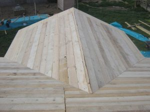 construction-of-log-cabin-with-95mm-laminated-logs (35)