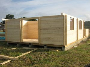 construction-of-log-cabin-with-95mm-laminated-logs (5)