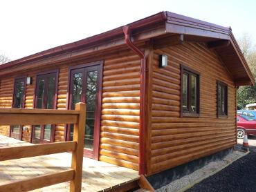 exterior-of-a-mobile-log-cabin-with-cavity-wall-6