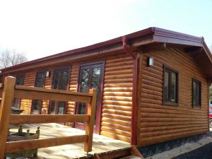 exterior-of-a-mobile-log-cabin-with-cavity-wall (7)