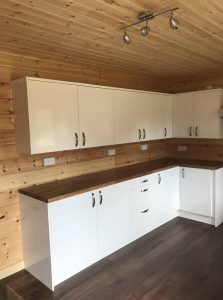 interior-of-a-mobile-log-cabin-built-with-95mm-thermo-wall-by-Timberlogbuild-ltd (18)