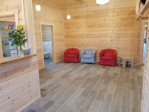 interior-of-an-artichouse-log-cabin-by-timberlogbuild-ltd (4)