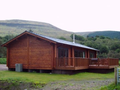 mobile-log-cabin-with-cavity-walls-built-by-Timberlogbuild-ltd (5)